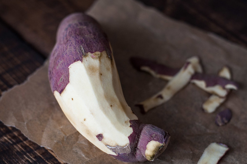 Purple sweet potatoes for easy sweet and salty potato cakes