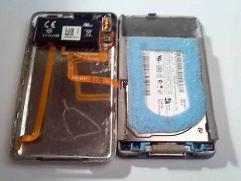 Apple-iPod-Classic-6G-6.5G-7G-7.5G-80GB-120GB-160GB-Festplatte-tauschen-iPod-öffnen-2015-02-07-01.41.08-iPod-geöffnet