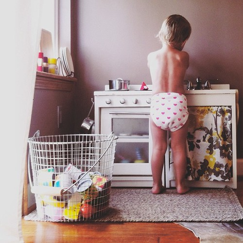Cook is in the kitchen on this cool and cloudy Saturday. #babybunsoffun #myfavoriteday #vscocam