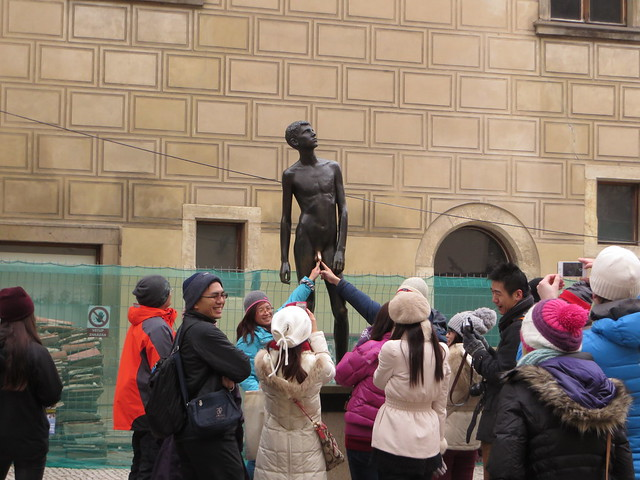 Milos Zet statue, naked man statue prague, inappropriate tourist photos, prague in winter
