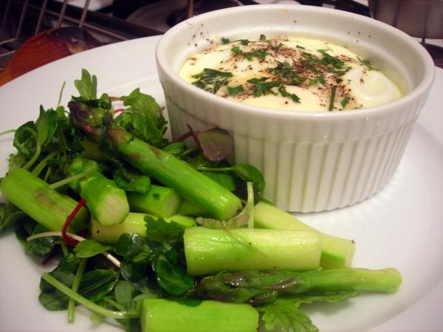 Baked eggs, asparagus salad