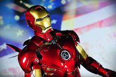 Hot Toys Iron Man 2 - Suit-Up Gantry with Mk IV Review MMS160 Unboxing - day2 (16)