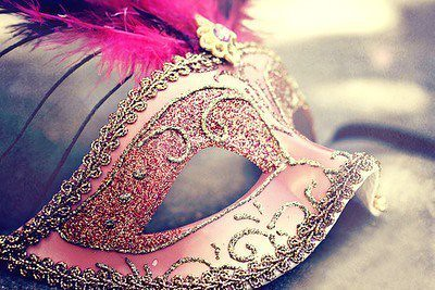 beautiful-girl-mask-old-times-photography-Favim.com-454329