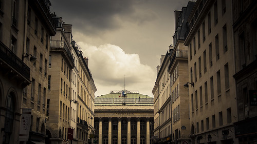 Urban Mythologies : La Bourse ou la vie (Paris) - Photo : Gilderic