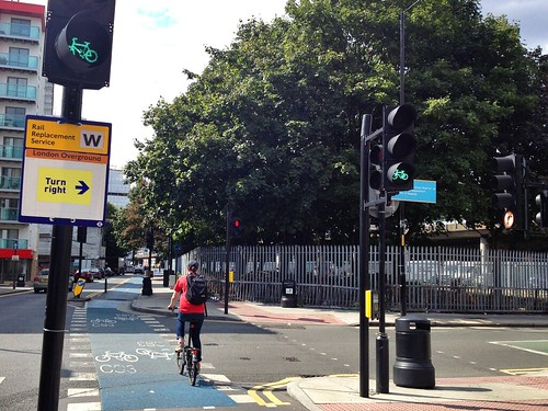 London Barclays Cycle Superhighway 3 Traffic Lights