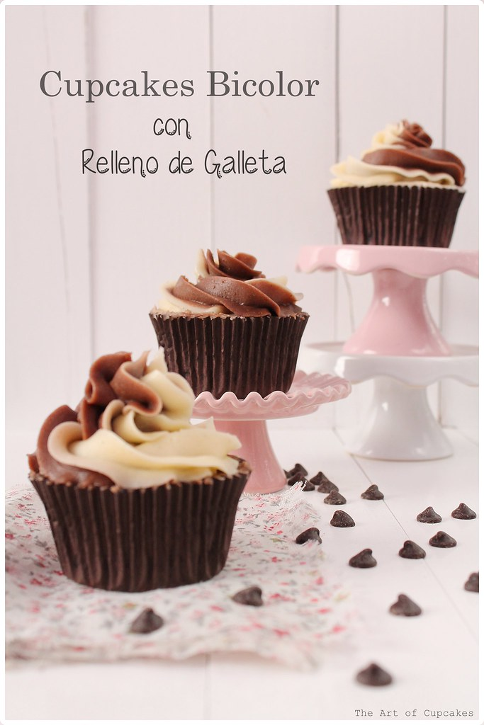 Cupcakes bicolor rellenos de galleta, the art of cupcakes
