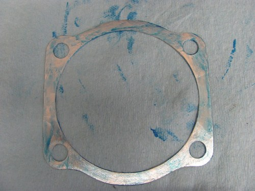 Thin Hylomar Layer on One Side of Base Gasket