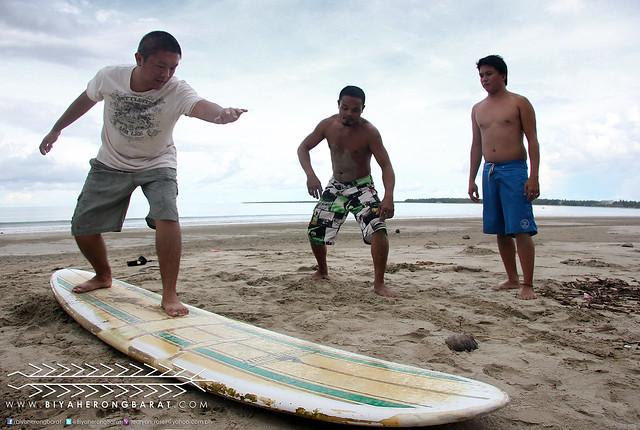 Surf lessons in Gubat, Sorsogon