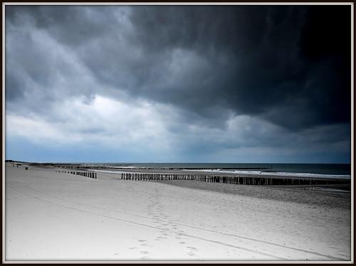 Strand Domburg. by Dynaries