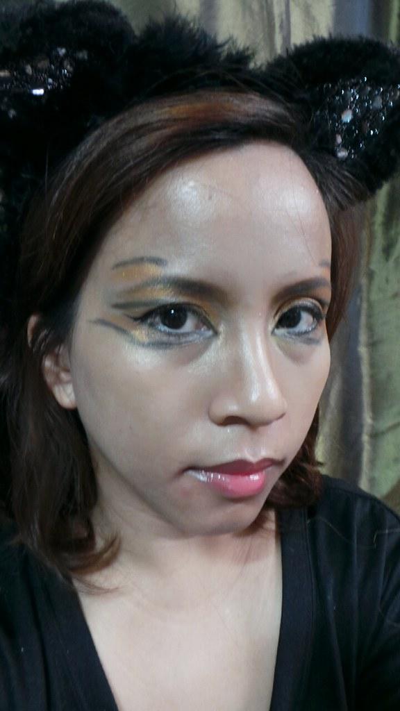 roar makeup look
