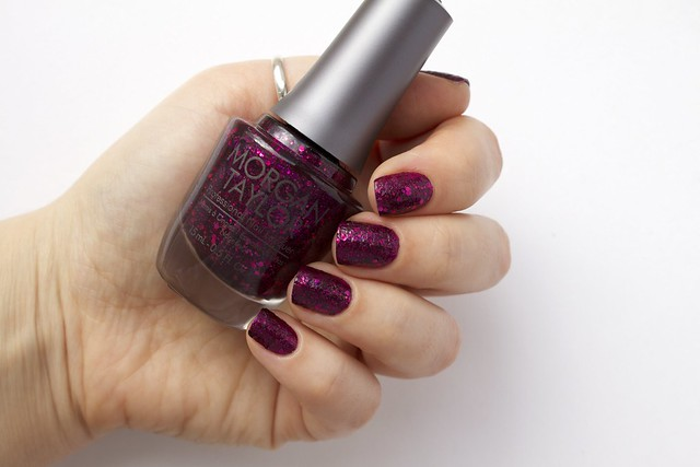 01 Morgan Taylor To Rule Or Not To Rule without topcoat