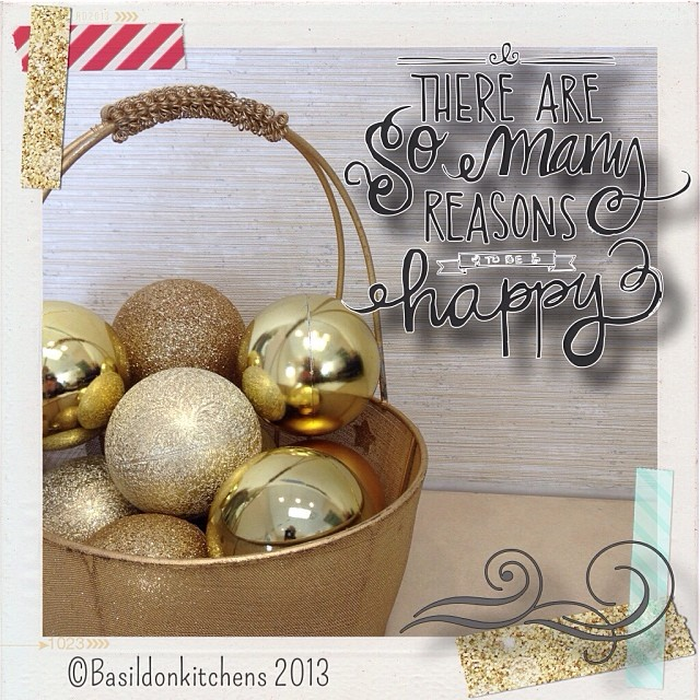 Dec 13 - composition {a pretty holiday scene} #fmsphotoaday #christmas #holidays #ornament #basket #composition #gold #glitter #rhonnadesigns