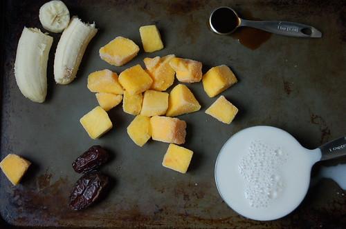 mango vanilla smoothie