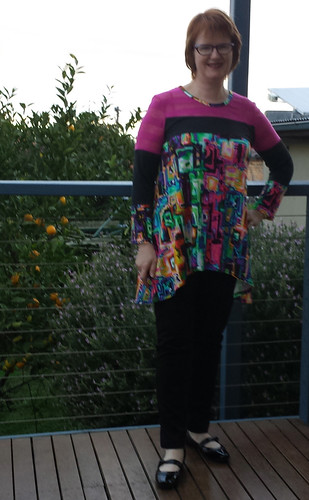 Vogue 8817 top and StyleARC Elle pants