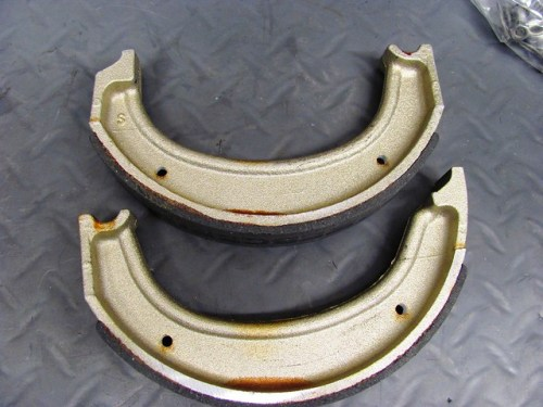 New Rear Brake Shoes - Different Top & Bottom Shoes