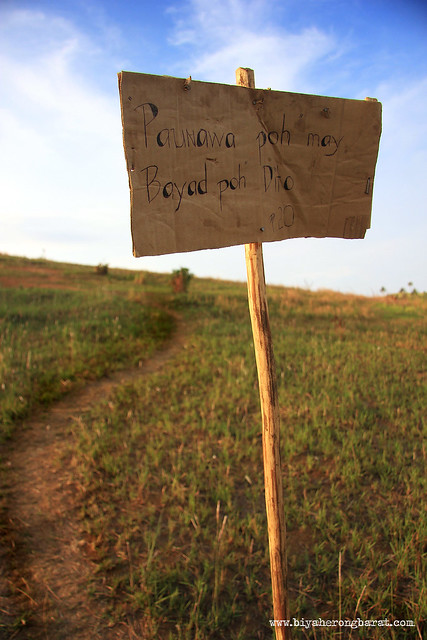 payment signage. hiking fee