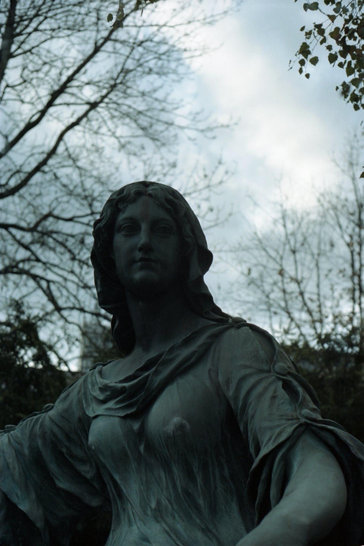 Zorki 4 + Industar-61 L/D - Personification of Tolerance (bronze statue)
