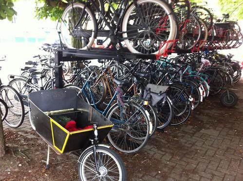 parking cargo bike