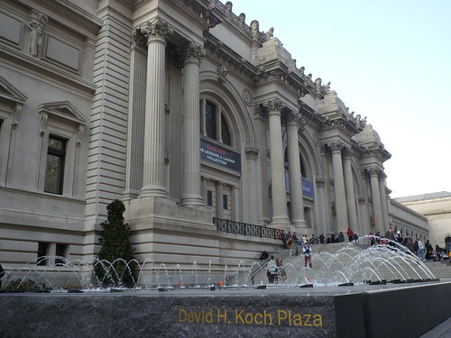 201411036 New York City Upper East Side Met Museum