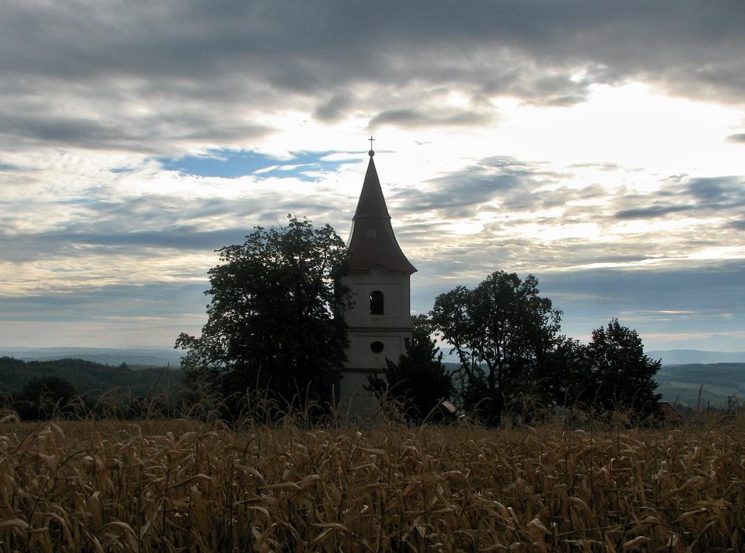 Kostol v Príbelciach