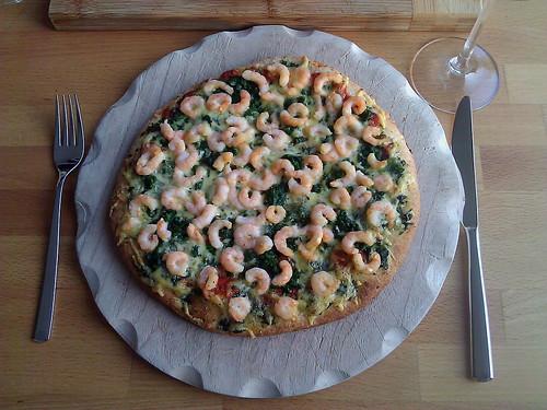Pizza Tradizionale Spinaci (von Dr. Oetker) gepimpt mit Garnelen