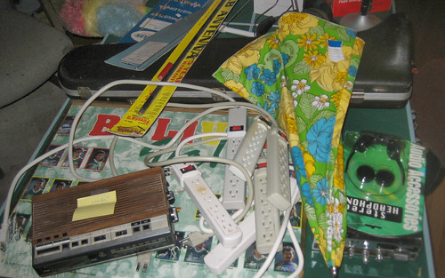 20120915 - yardsale booty - lots of free stuff - IMG_4862