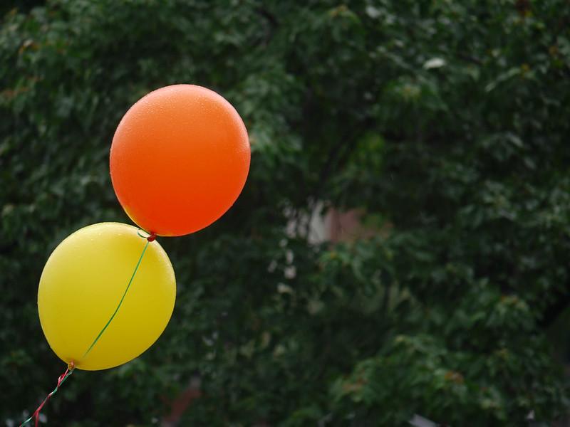 Market balloons
