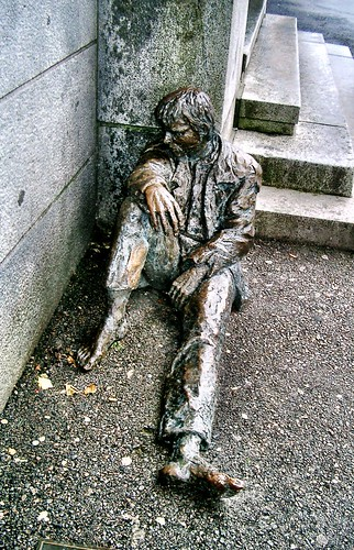 Statue on the streets of Bergen by SpatzMe
