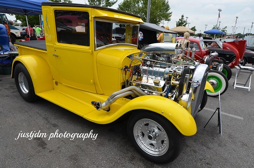 YELLOW HOTROD PICKUP (8)