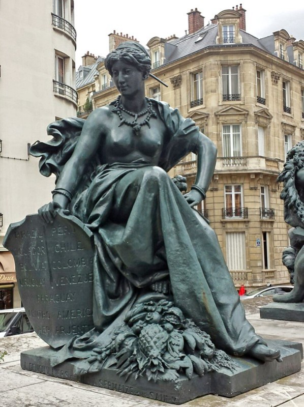 """""""L'Amérique du sud"""" (1878), par Aimé Millet, quai Anatole France (VIIe arrondissement)"""