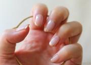 beauty diy winter glitter nails