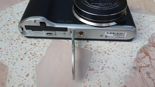 ด้านล่างของ Samsung Galaxy Camera 2
