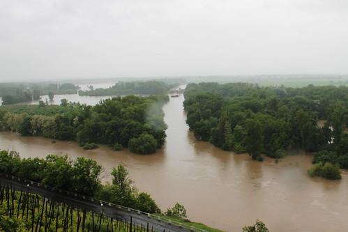 Flooded Vraňansko-hořínskí plavební kanál meeting up with the Elbe and Vltava