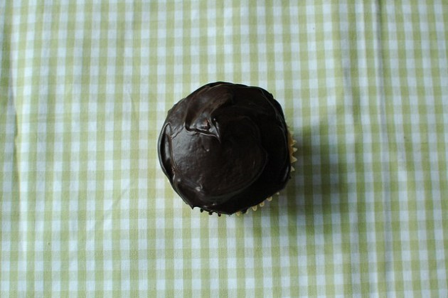 Boston cream pie cupcake 03