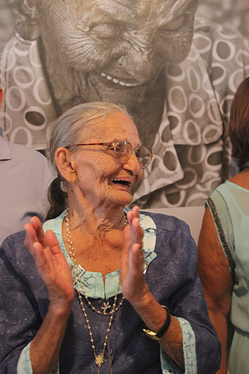 90 anos elizabeth2.jpg