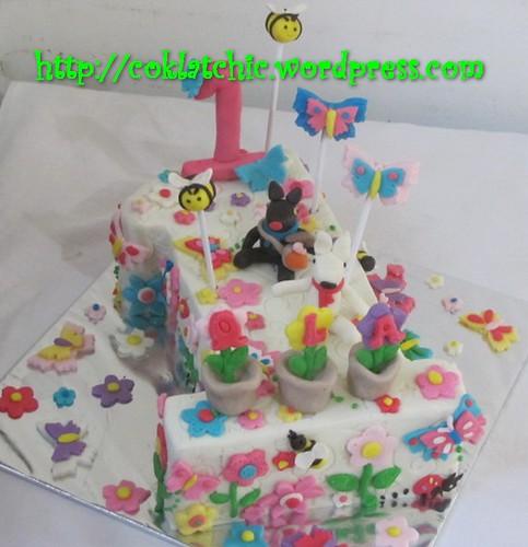 Cake angka 1 dengan gaspard dan lisa