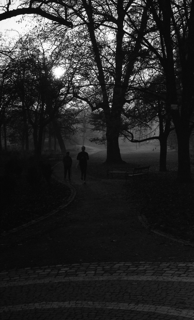 Kiev 4 + Helios 103 - Joggers in the Park