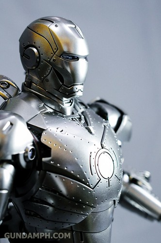 Hot Toys Iron Man 2 - Mk II Armor Unleashed Ver. Review MMS150 Unboxing (86)