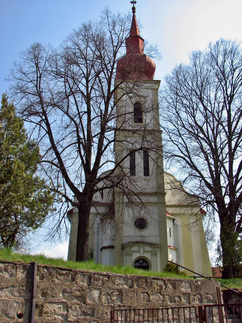 Ev. kostol v D. Strehovej - čelný pohľad