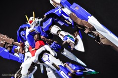 Metal Build 00 Gundam 7 Sword and MB 0 Raiser Review Unboxing (118)