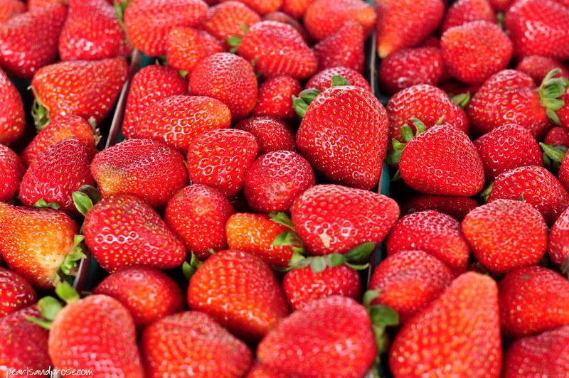 strawberries_web