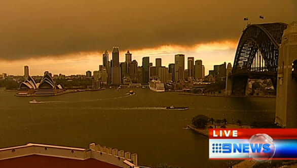 smoke over sydney from fires 17th oct 2013