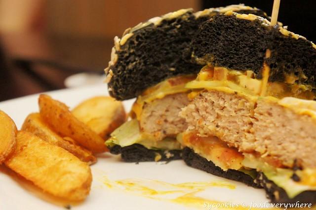 6.daiban-Dai Ban Pork Burger @ RM15.90
