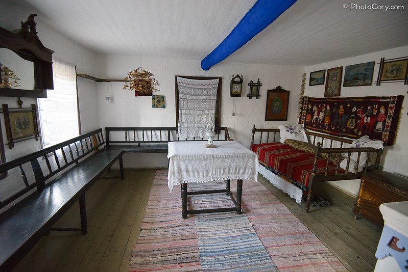 living room, muzeul satului, camera