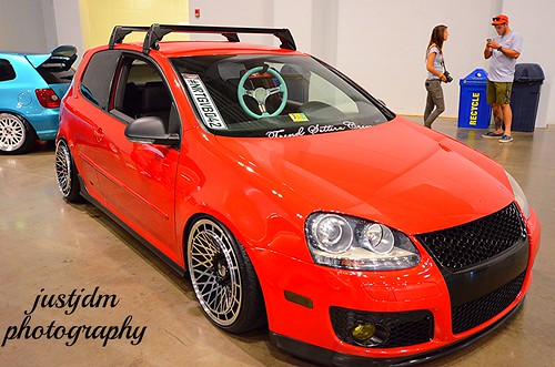 red slammed vw golf (8)
