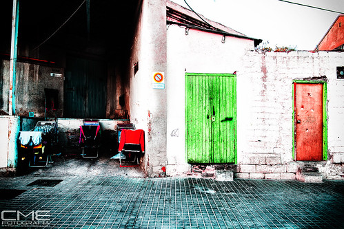 Descubriendo El barrio... by Christyan Martos