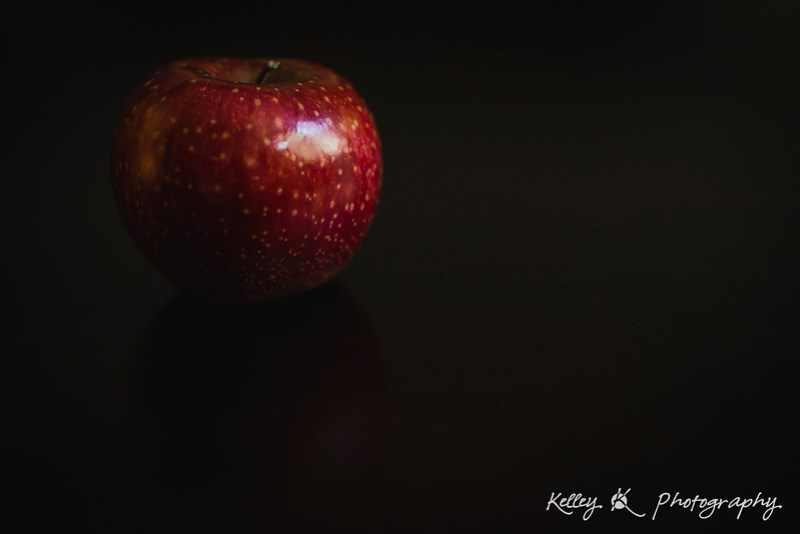13/365 - Apple still-life