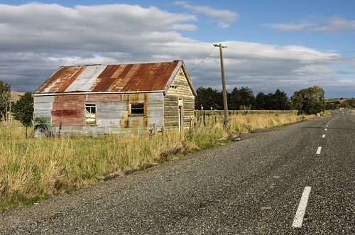 Building at Waipahi by mjm_nz