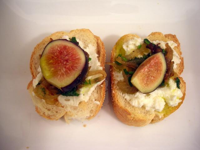 Fig and ricotta cheese crostini