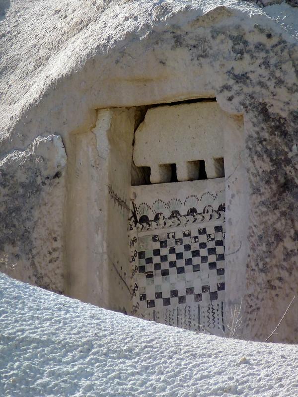 Turquie - jour 21 - Vallées de Cappadoce  - 137 - Çavuşin, Kızıl Çukur (vallée rouge) - Pigeonniers